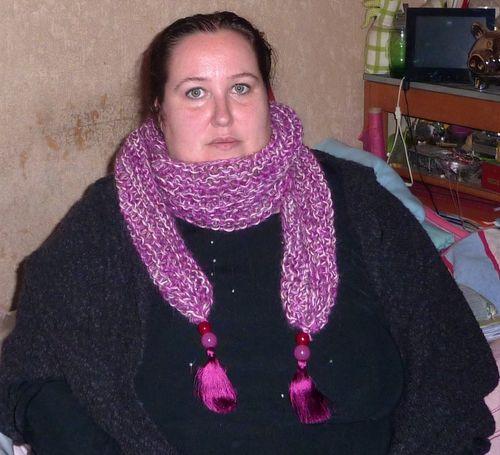 Pinky trendy scarf